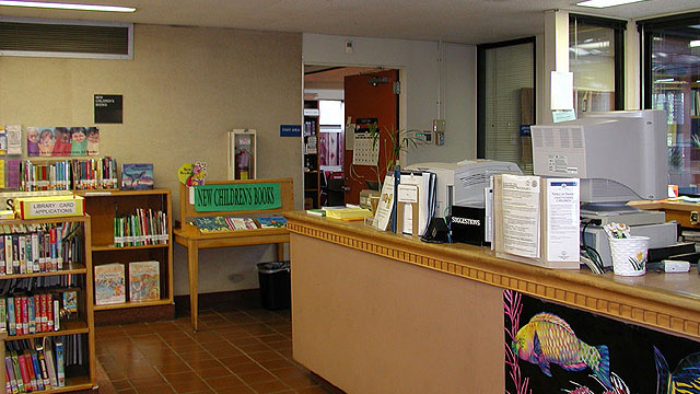 Front desk of the Allied Gardens/Benjamin Library