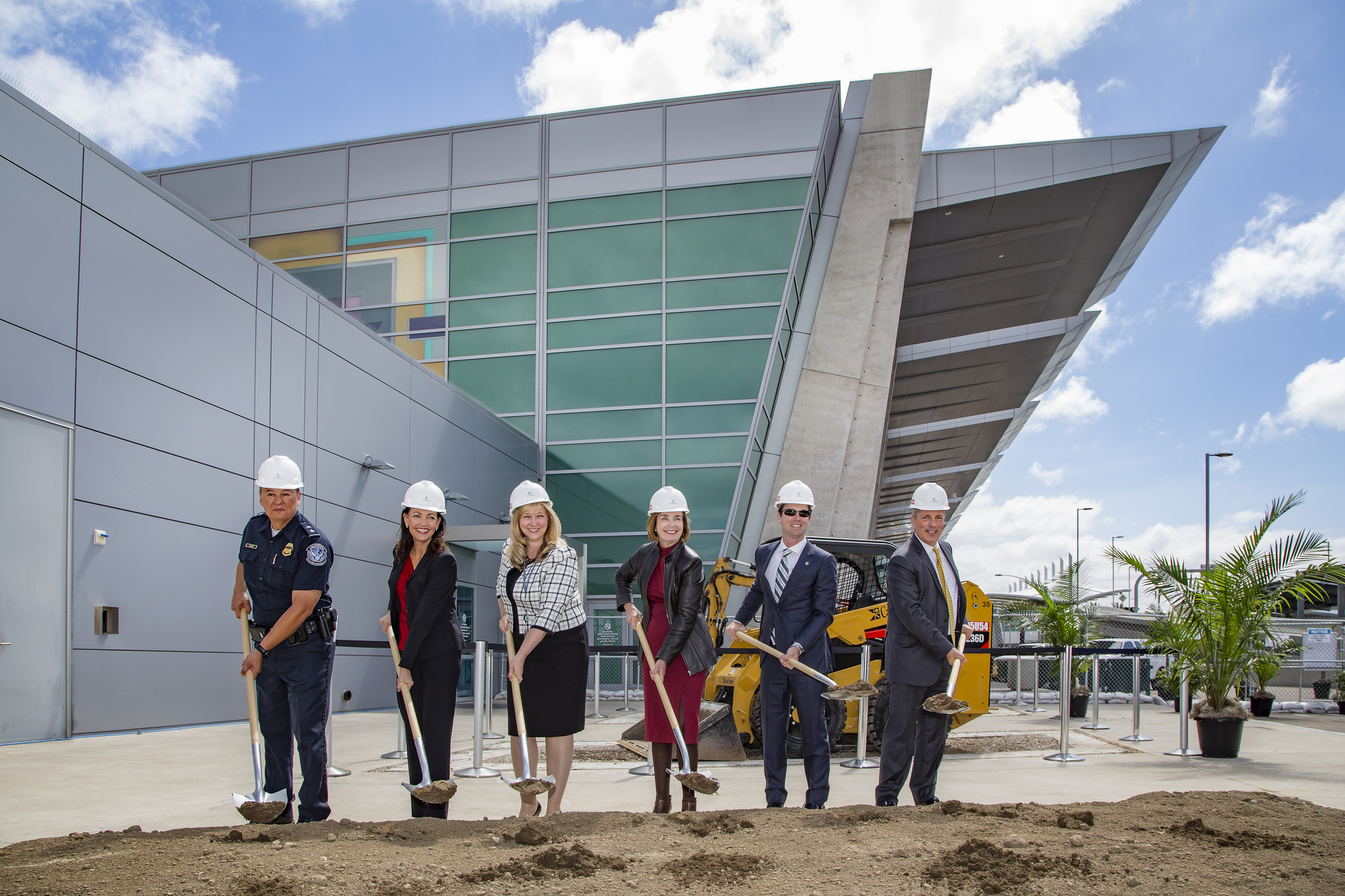Photo of Federal Inspection Station groundbreaking