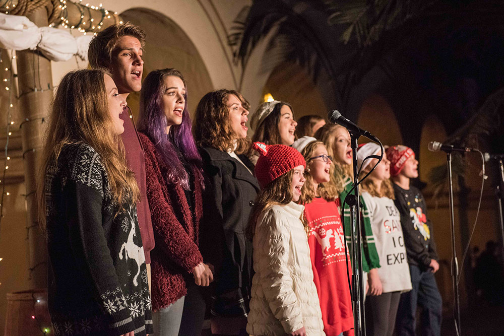 Christmas carolers at December Nights 2017