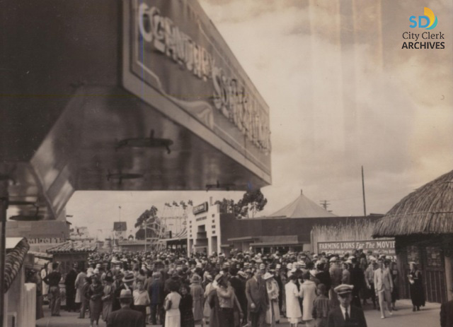 Crowd on the midway at the California Pacific International Exposition, held in May - November 1935 and February - September 1936