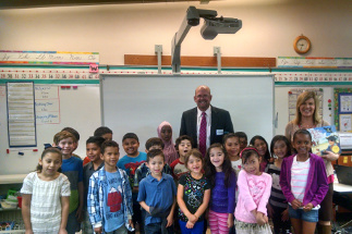 Photo of Councilman Sherman with students of Benito Juarez Elementary School in Serra Mesa