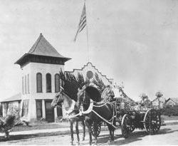 Photo of horse drawn wagon