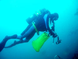 Dive rescue photo