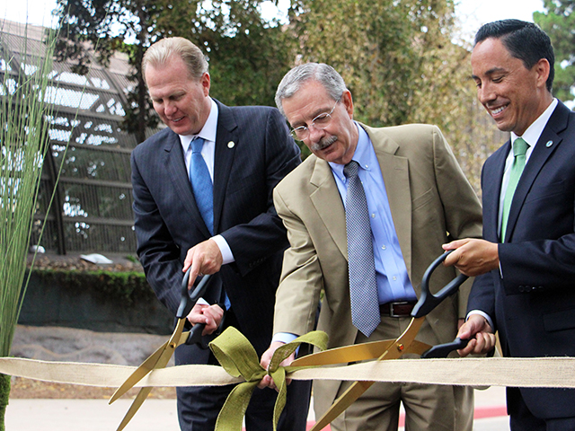 Photo of Mayor Faulconer at the Old Globe Way Ribbon Cutting
