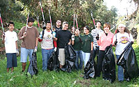 Photo of Hoover High Students cleaning up Manzanita Canyon