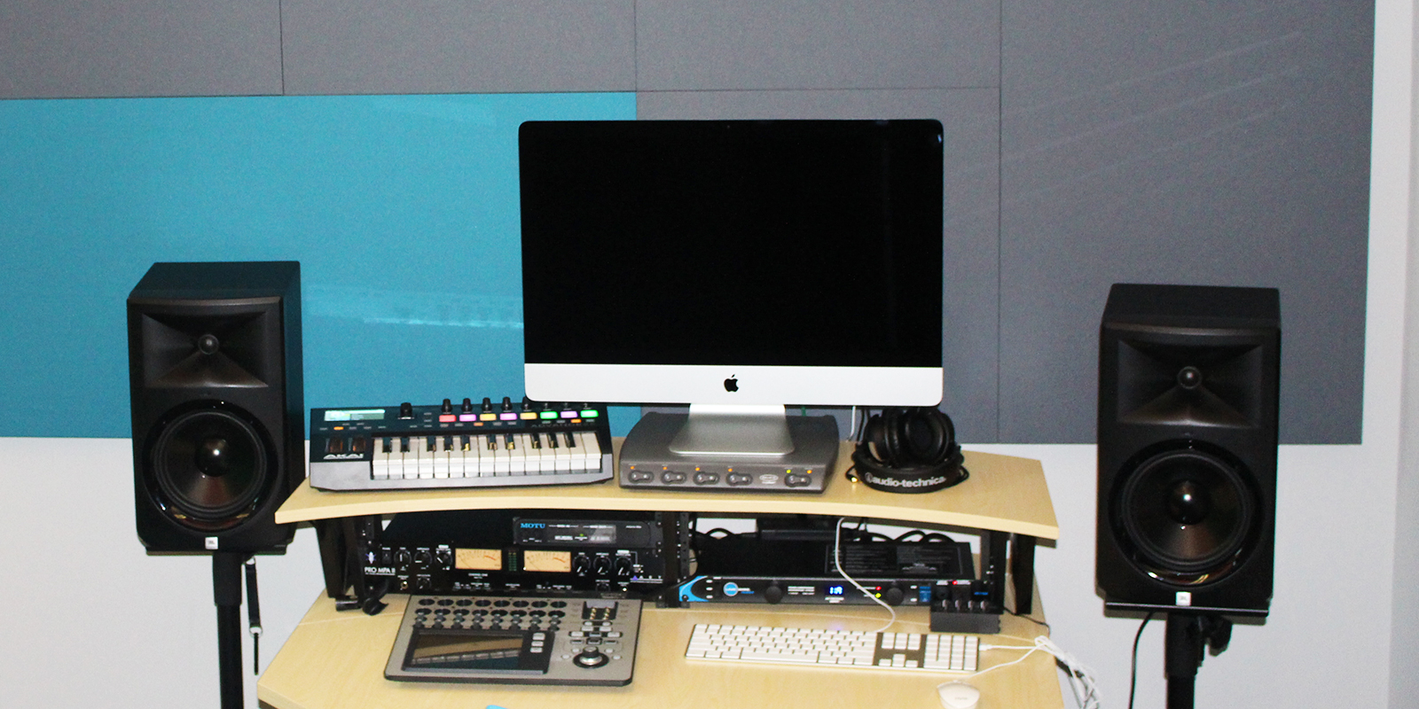 Photo of the sound recording studio inside the Legler Benbough Teen IDEA Lab at the Valencia Park/Malcolm X Library.