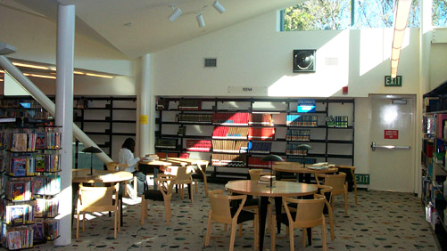 Reading area inside the Mira Mesa Library
