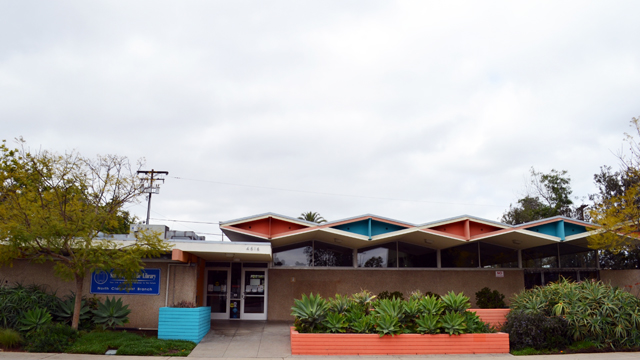 Front area outside the North Clairemont Library