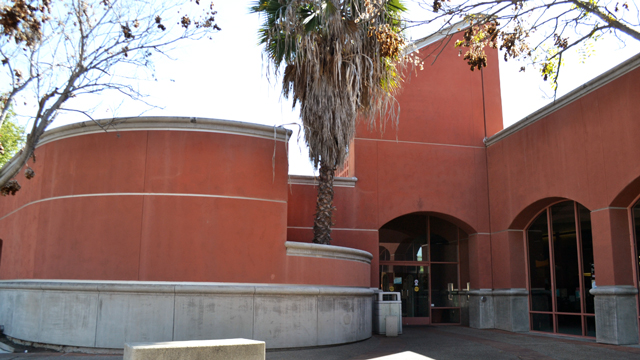 Front area outside the Rancho Peñasquitos Library