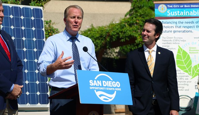 Photo of Mayor Faulconer at news conference