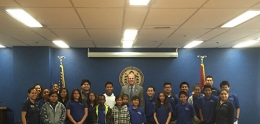 Mayor Kevin Faulconer with Ocean Discovery Institute Students